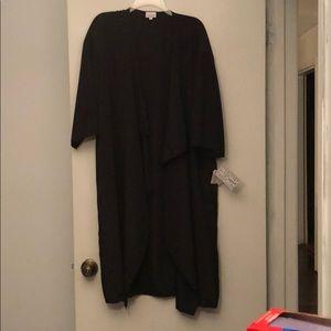 NWT SOLID BLACK Large Lularoe Shirley 🦄🦄🦄